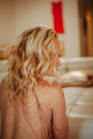 Sumaya meet for sex in Castle Pines, independent escort